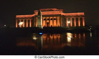 Auckland War Memorial Museum at night.It's one of New...