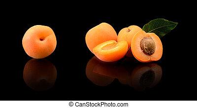aufgeschnitten, aprikosen, schwarz, drei, freigestellt