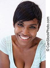 aufschließen, heiter, junger, afrikanische amerikanische frau, lächeln