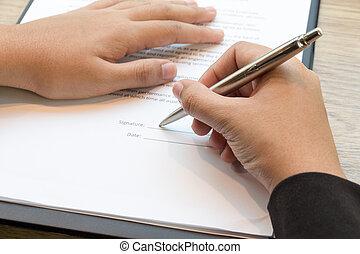 aufschließen, von, geschäftsfrau, unterzeichnung, a, vertrag