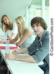 aula, giovani persone