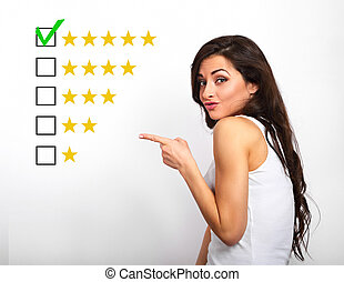 aumento, mulher, estrela, avaliação, negócio, classificação, avaliação, mostrando, amarela, rewiew., confiante, cinco, dedo, fundo, online, branca, votando, melhor, feliz
