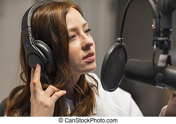 auriculares, jinete, escuchar, radio, estudio, por