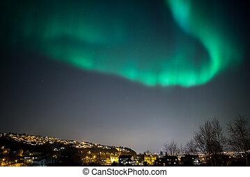 Aurora Borealis Cityscape - True geomagnetic storm in...