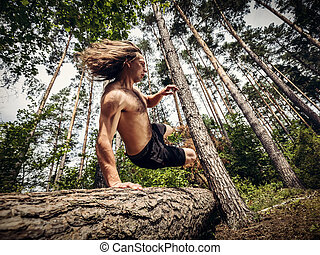 aus, baum, junger, forest., springende , stamm, mann