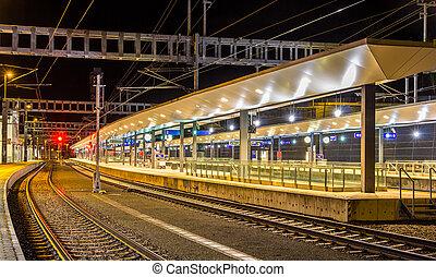austríaco, estação de comboios, feldkirch, à noite