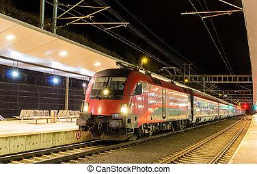 austríaco, trem alta velocidade, em, feldkirch, estação