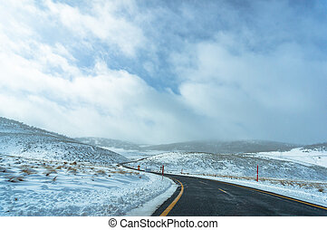 Australian road in Snowy Mountains