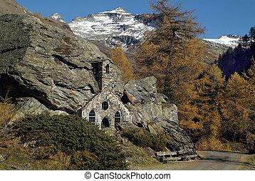 Austria, Felsenkapelle in Gschloess valley, built in rock