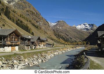 Austria, Innergschloess, Gschloess-valley in Hohe Tauern nationalpark