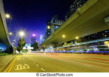 autóút, csillogó nyom, alatt, város