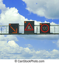 autóút, warnings