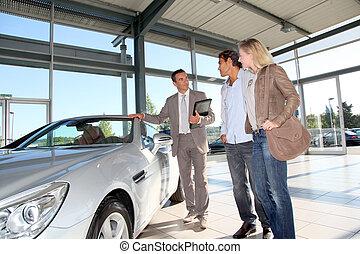 autó, eladó, noha, párosít, autó, kereskedelem