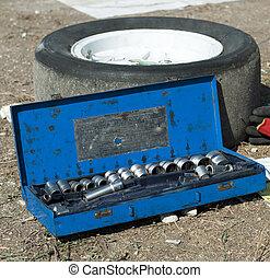 autó, eszközök, szerelő, autógumi