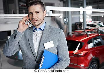 autó látszik szoba, eladó, telefon