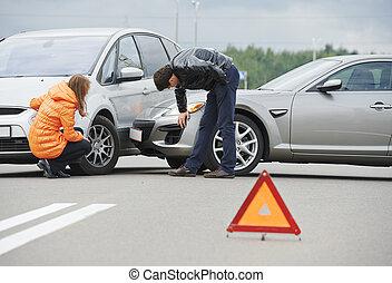 autó lezuhan, ütközés