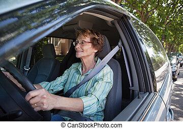 autó, mosolyog woman, idősebb ember, vezetés
