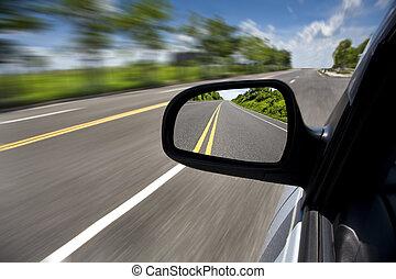 autó, vezetés, át, a, üres, út, és, összpontosít, képben...