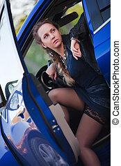 autó woman