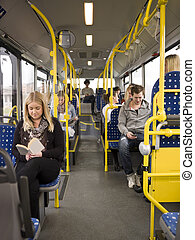 autóbusz, emberek