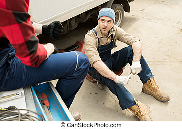 auto, discuter, techniciens, réparation