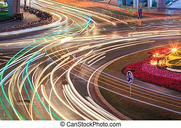 auto- licht, spuren, auf, straße