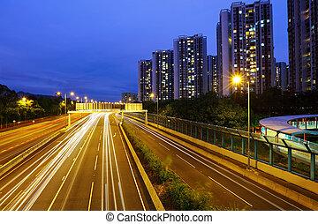auto- licht, spuren, in, modern, stadt