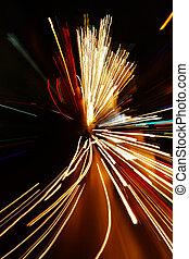 auto, lichten, in de motie, verdoezelen, met, zoom, effect