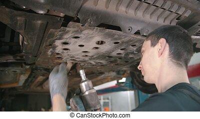 auto, -, magasin, voiture, couverture, réparer homme, débrancher, sous, ouvrier
