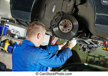 auto mechaniker, an, auto, aufhängung, reparatur
