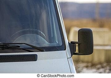auto, moderne, op, achteruitkijkspiegel, afsluiten, bovenkant