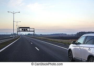 auto, op, snelweg, met, leeg, richting, straat, signs.