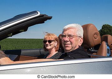 auto, paar, älter, glücklich