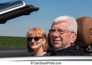 auto, paar, glücklich, älter, sport