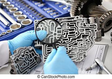 Auto service repairman for automatic