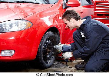 auto technicus, het veranderen, een, tire.