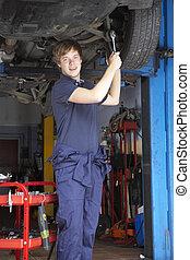 auto technicus, werkende