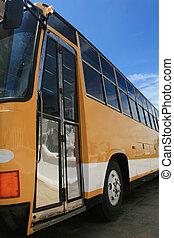 autobús, amarillo