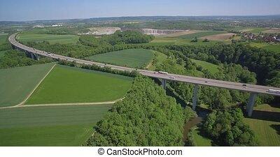 Autobahn, Brücke, Schweben, Luftaufnahmen, deutsch