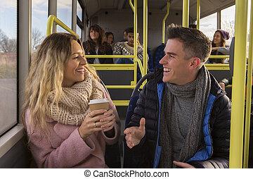autobus, couple/friends, jeune