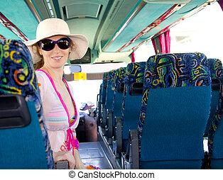 autobus, ragazza, occhiali da sole, turista, felice
