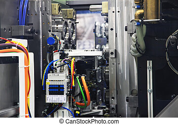 injection molding machine - Automatic unloading of the mold ...