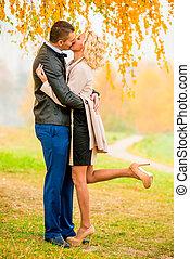 automne, baisers, couple, parc, aimer