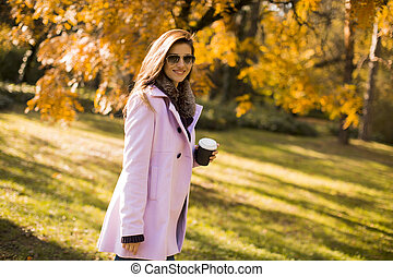 automne, café, boire, femme, parc