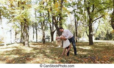 automne, couple, parc, danse