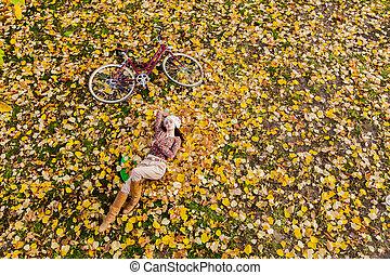 automne, femme, forêt, jeune