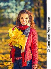 automne, femme, parc, jeune, heureux