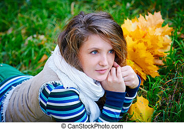 automne, femme, parc, mensonge, herbe