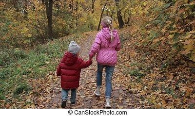 automne, frères soeurs, courant, parc, insouciant
