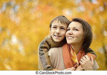 automne, garçon, parc, mère